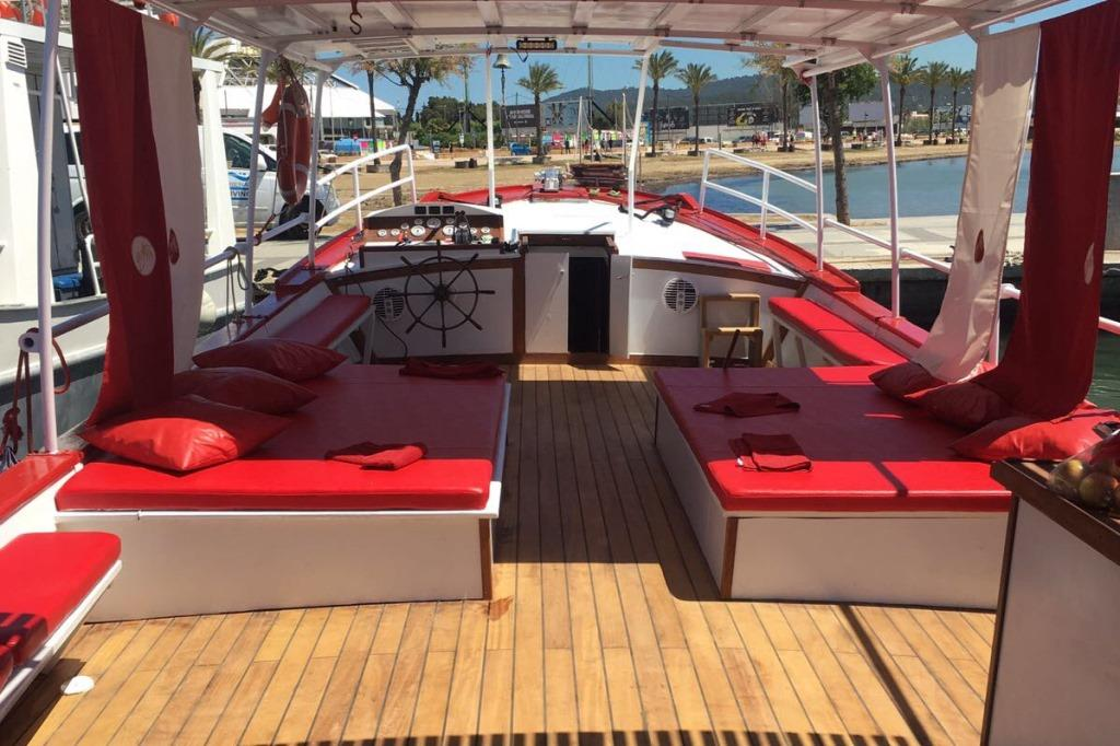 CHILLOUT BOAT TRIP  - 55€